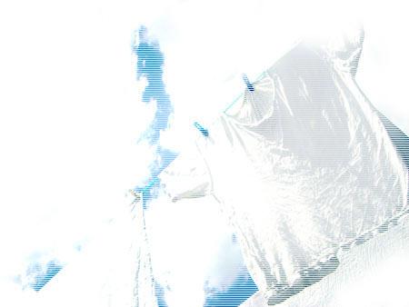 空と白いシャツ