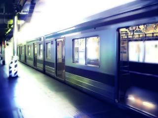 電車が停まったホーム 差分:日中/夕方/夜