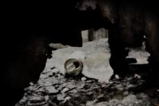 路地裏の空き缶