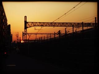 【高解像度】架線のシルエットと夕陽(3パターン)