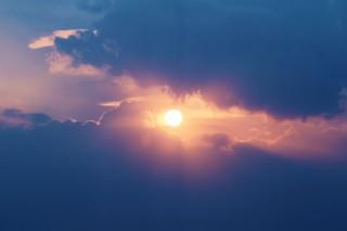 【高解像度】雲間の太陽(2パターン)
