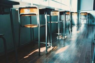 【高解像度】教室の窓側の席(3パターン)
