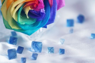 【高解像度】レインボーローズと青い蛍石(フローライト)(3パターン)