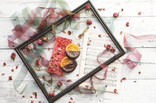 【高解像度】リボンと薔薇に囲まれたチョコ(9パターン)