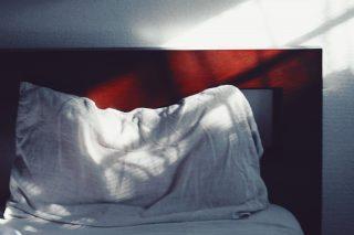 【高解像度】ベッドを照らす斜めの日差し(3パターン)