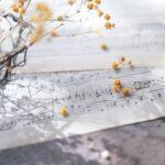 カスミソウと楽譜(3パターン)