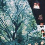 軒下の灯りと雨(3パターン)